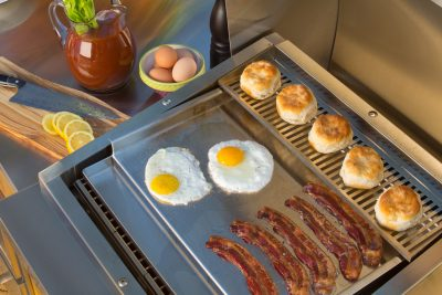 Commercial-Style Flat-Top Griddle