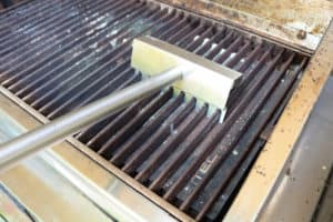 How to Clean your TEC Grill - Clean the Grates with the Grate Rake